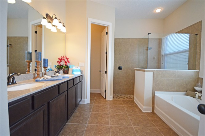 Rivertown Dennis Homes - Edgewater Master Bathroom