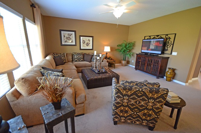 Benton Lakes Mandarin - Living Room