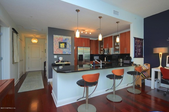 The Peninsula Condo for Sale - Kitchen