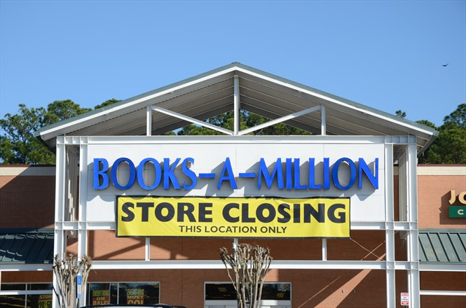 Books A Million Closing in Mandarin