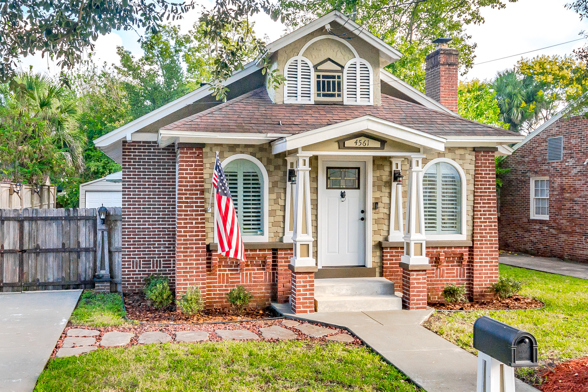 Exterior of Murray Hill Jacksonville home for sale